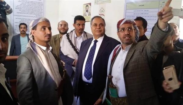 """لص الأوقاف """"عبدالله عامر"""".. اليد الطولى لأسرة الحوثي لنهب أراضي وعقارات صنعاء"""