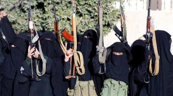 «زينبيات» الحوثي يوسعن أعمال القمع والترصد للنساء في مناطق سيطرة الميليشيات