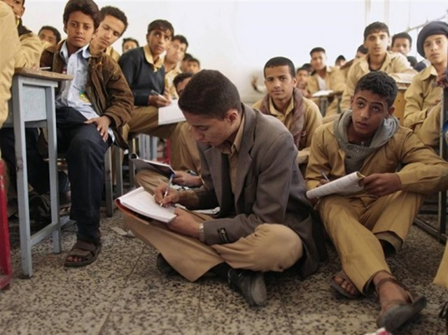 Houthis encourage school student to take part in fights
