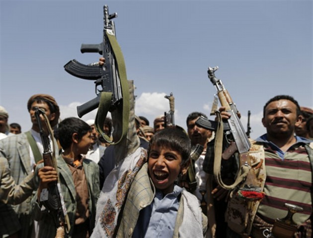 Human Rights Ministry: 10,000 children were recruited by Houthis