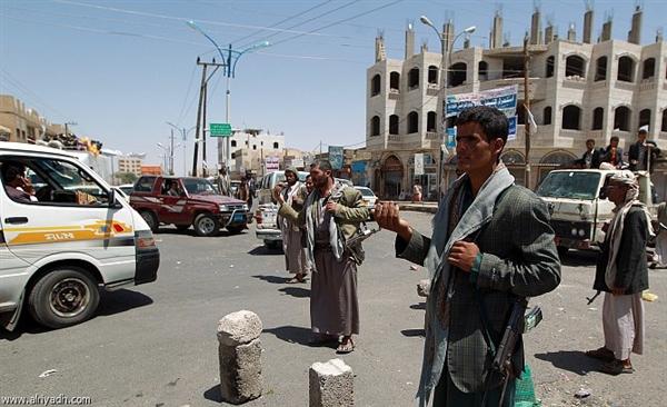 صنعاء.. المليشيا تفرج عن مختطف بعد إصابته بالشلل جراء التعذيب