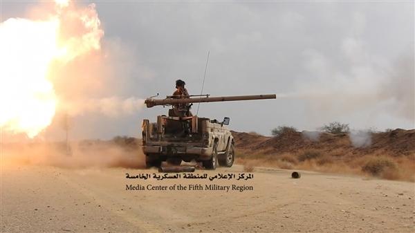 مقتل عشرات الحوثيين وتدمير معدات عسكرية ومخزن سلاح في جبهتي حرض وميدي
