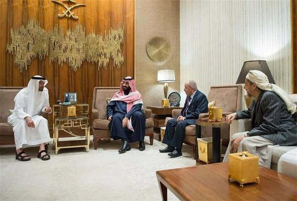 الشيخ محمد بن زايد والأمير محمد بن سلمان يبحثان مع رئيس الإصلاح وأمينه العام مستجدات الأوضاع