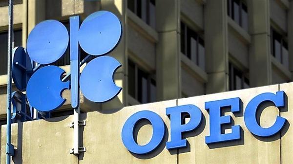 """""""أوبك"""" تتوقع نمو النفط من خارجها بمقدار 990 ألف برميل في 2018"""