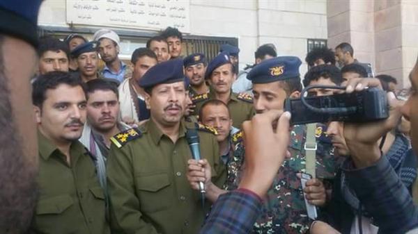 هددوهم بمصير صالح.. قيادة المؤتمر في إب تعلن الطاعة الكاملة للحوثيين