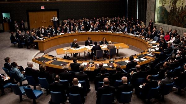 اليمن يطالب المجتمع الدولي  اتخاذ إجراءات فورية لتنفيذ قرارات مجلس الأمن