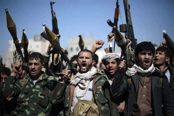 Fierce fighting between Houthis and tribesmen in Sana'a