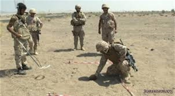 Army finds weapons caches and landmines in West Coast Front