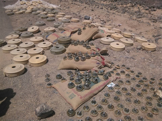 Three Bedouins wounded by Houthi landmine in Aljawf