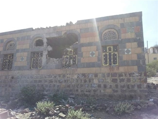 Houthi sniper wounds one civilian west of Moreis in Dhali'a