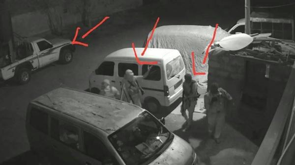 أطقم عسكرية تقتحم مبنى مؤسسة الشموع في عدن وتختطف عددا من العاملين فيها