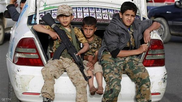 طفل مسلح يقتل  شاباً ويصيب والده في إب وسط فوضى أمنية