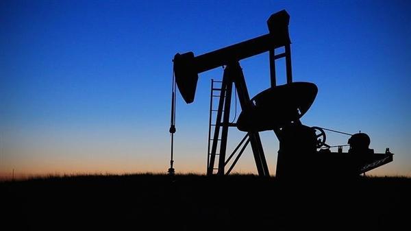 مخزونات النفط الأمريكية تنخفض 1.4 مليون برميل الأسبوع الماضي