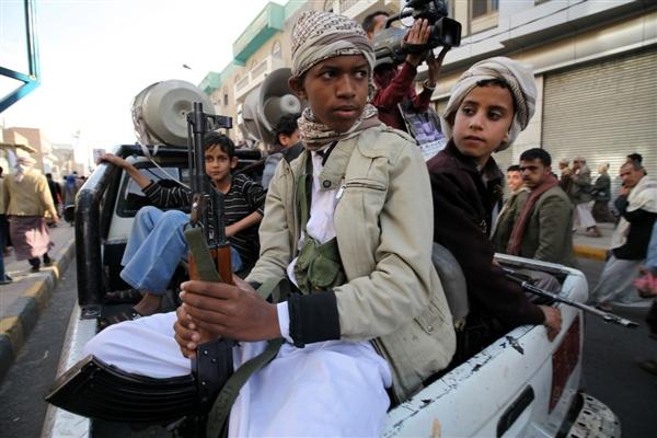 الحكومة: مليشيا الحوثي جندت أكثر من 20 ألف طفل