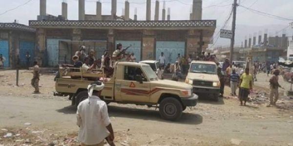 مقتل 3 جنود وإصابة 7 في هجوم انتحاري بمحافظة ابين
