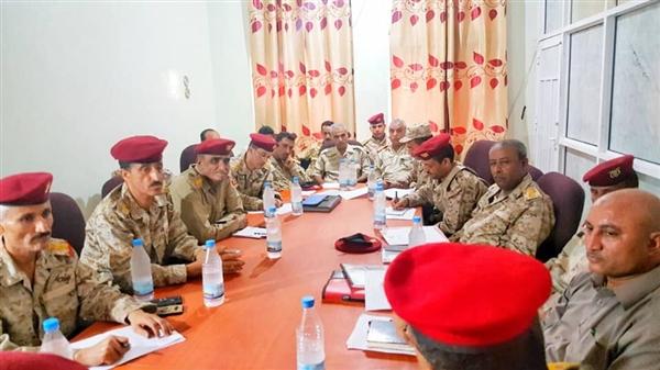 قيادة محور تعز تدين عملية هيكلة الجيش الوطني بالمحافظة