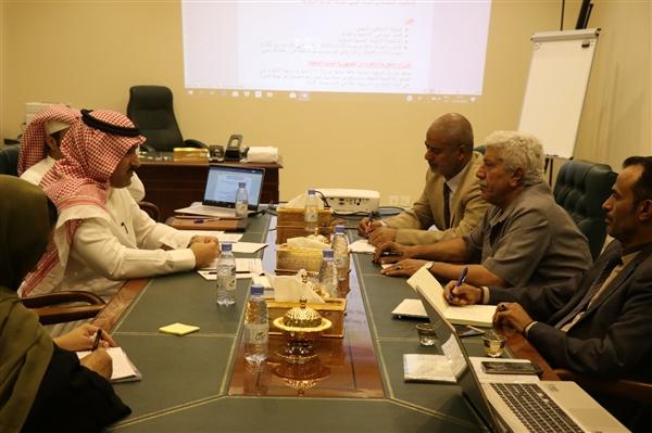 آل جابر يؤكد وقوف المملكة مع اليمن واستعدادها لتنفيذ المشاريع الصحية في كافة المحافظات