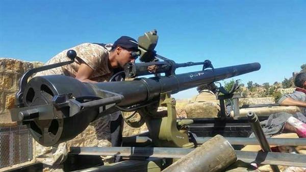 تعز.. قوات الجيش تستكمل تطهير نقيل الصلو وتسيطر ناريا على اولى مناطق خدير