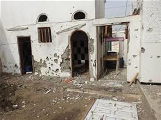 مقتل شخص وإصابة 8 اخرين من اسرة واحدة بقصف حوثي على التحيتا بمحافظة الحديدة