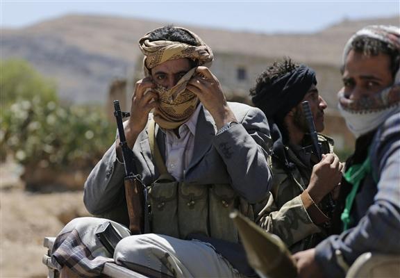 مليشيا الحوثي تُصيب امرأة في إب وتختطف زوجها وأولادها