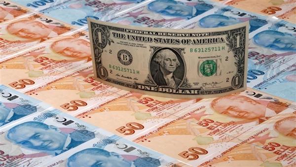 الليرة التركية عند أعلى مستوى أمام الدولار بشهرين