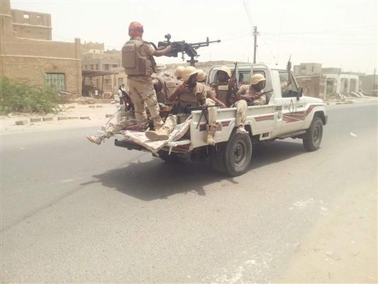 إصابة جنديين و3 مدنيين في اشتباكات بين قوات الحزام ومسلحين في أبين