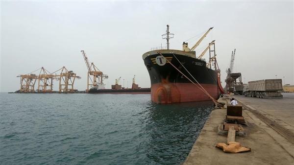 التحالف: مليشيا الحوثي تمنع دخول السفن إلى ميناء الحديدة