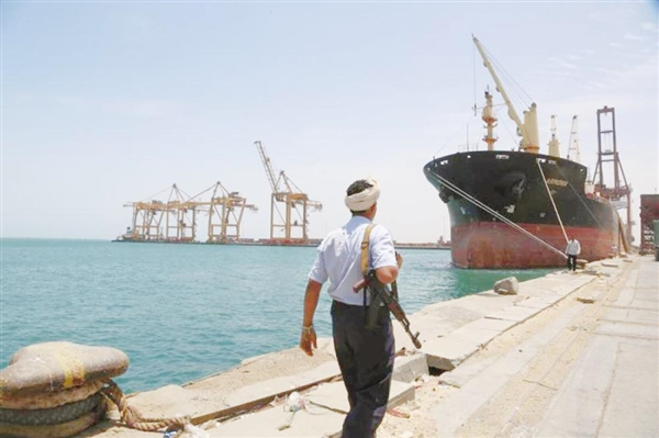 Gov't rules out Houthis withdrawal from Hodeida Port