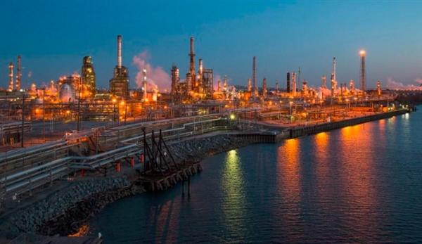 النفط يرتفع 1% بفعل تخفيضات أوبك وآمال انحسار التوتر التجاري بين الصين وأمريكا