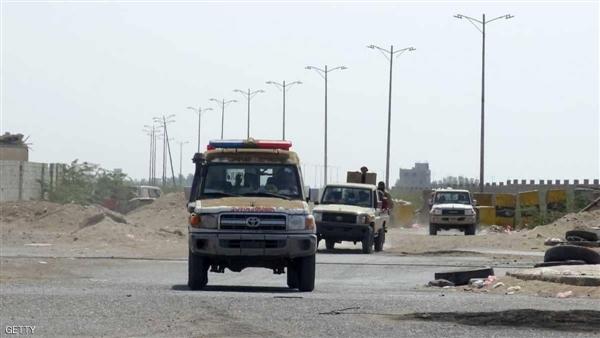 الحديدة.. الحوثيون يقصفون مقر لجنة إعادة الانتشار ويمنعون 4 سفن من دخول الميناء