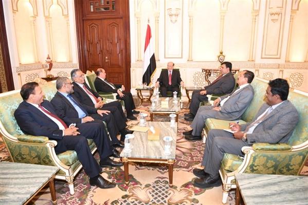 الرئيس هادي يؤكد على أهمية دور مجلس النواب في تعزيز العمل المؤسسي للحكومة