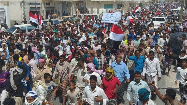 Massive protest denies informal military forms in Socotra