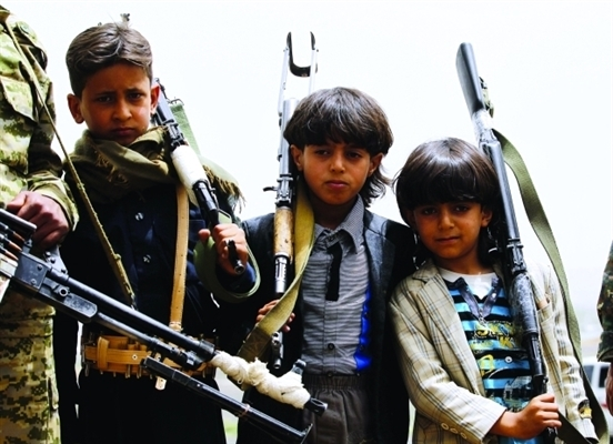 Houthis take children from schools to warfronts