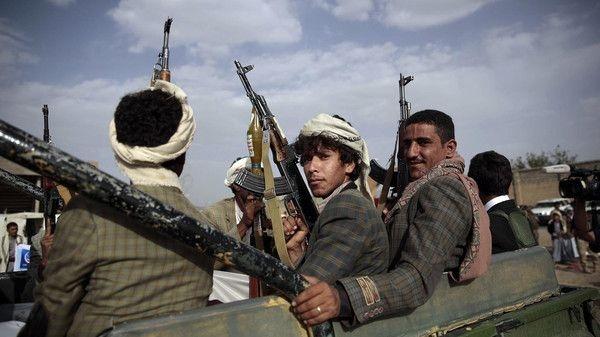 مقتل صراف وأحد أبنائه على يد مليشيا الحوثي في حجة