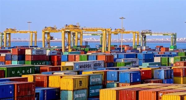 الانتقالي يداهم ميناء الحاويات بعدن ويصادر 4 حاويات أموال تابعة للبنك المركزي