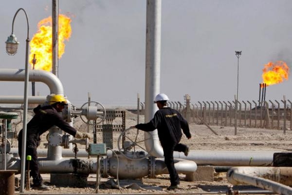 وزير النفط: نطمح لرفع الإنتاج بنحو 80 الف برميل يوميا وتغطية 60% من الموازنة
