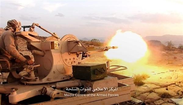 الجيش يستهدف تحصينات حوثية في رازح غرب صعدة