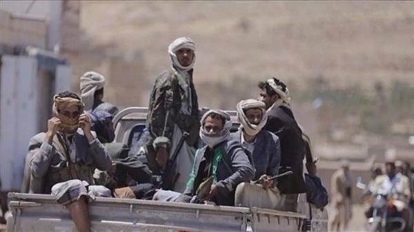 مليشيا الحوثي تخرق وقف إطلاق النار وتستهدف مواقع الجيش في صرواح بمأرب