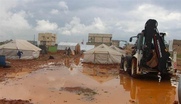 تضرر أكثر من ألفي منزل جراء الأمطار الغزيرة التي شهدتها عدد من المحافظات
