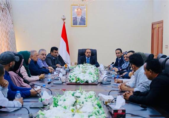 الوزير الإرياني يؤكد على أهمية توحيد الجبهة الوطنية لدعم عملية استعادة الدولة