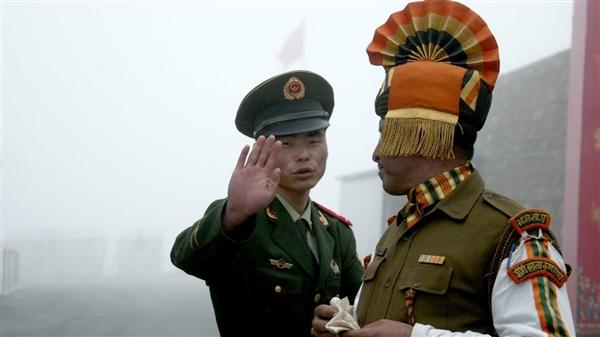 اشتباك جديد عند الحدود الهندية الصينية.. ووقوع جرحى