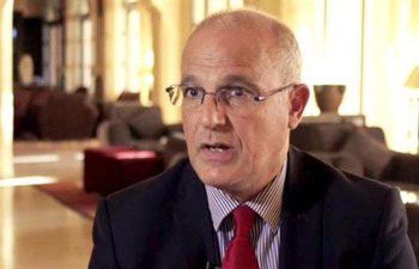السفير البريطاني: الحوثيون يغيرون المجتمع واستمرار سيطرتهم على صنعاء يزيد نفوذ إيران