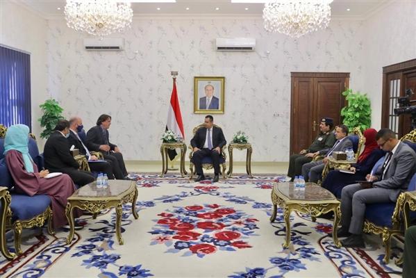 معين عبدالملك: التصعيد الحوثي يضاعف من حجم التحديات الإنسانية