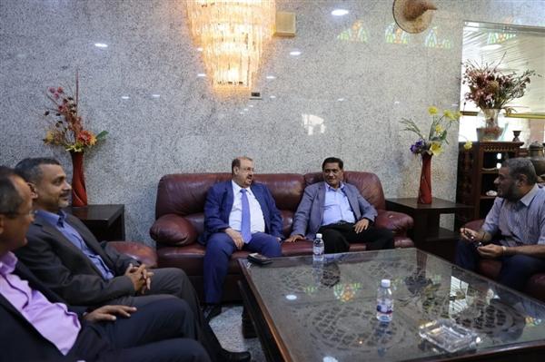 المكلا.. قائد المنطقة العسكرية الثانية يستقبل رئيس مجلس النواب ونائبه