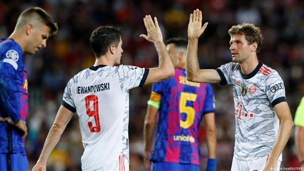 بايرن ميونخ يقسو على برشلونة بثلاثية نظيفة في دوري أبطال أوروبا