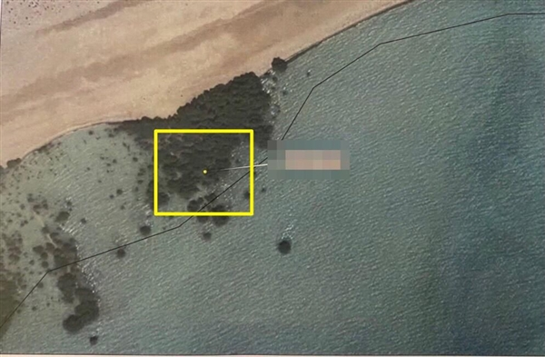 التحالف: تدمير زورق مفخخ بجزيرة كمران تم تجهيزه لتنفيذ عمليه هجوم وشيك